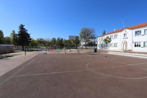 Escola Paulino Montez (Espaço Exterior)